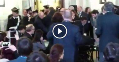 Attimi di terrore alla Conferenza Gentiloni-Kerry(usa). Urla: 'Avete creato voi l' IS'
