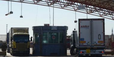 Russia, Ministero degli Esteri: La Turchia invia armi ai terroristi in Siria nei camion con aiuti umanitari