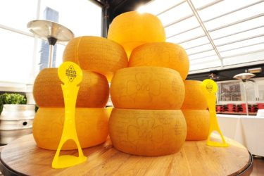 Allarme a Brescia: sequestrate 4mila forme di Grana Padano prodotte con latte contaminato