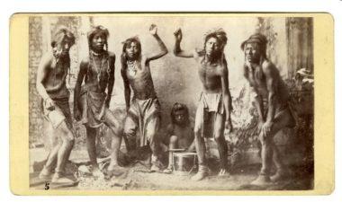 """L'olocausto di cui nessuno vuole parlare: 31 gennaio 1876, gli Stati Uniti istituiscono i lager per gli Indiani (le riserve) allo scopo di attuare la loro """"soluzione finale"""" !!"""