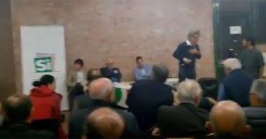 PD: dibattito pro-referendum prende la parola un attivista per il No e scoppia la bagarre