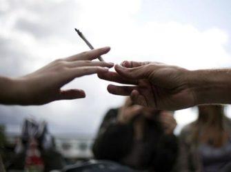 Adolescenti, cannabis e il rischio di sviluppare la schizofrenia ? Video