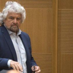 """Grillo: """"Sindaci esclusi da candidatura premier"""""""