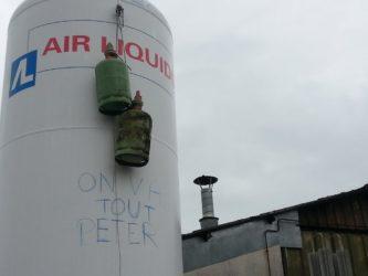 operai a rischio licenziamento minano la fabbrica della Renault a Creuse – Francia