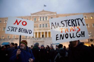 Autorità Greche Stanno lanciando una confisca di massa di cassette di sicurezza, titoli e case