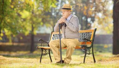 Pensioni, al lavoro fino a 70 anni e assegni previdenziali minimi