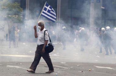 La Russia corre in soccorso della Grecia