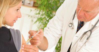 Vaccini e malattie, prova a carico del danneggiato: servono indizi gravi, precisi e concordanti
