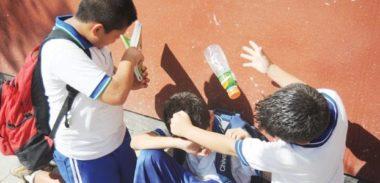 Va tolto alla famiglia : Non frequenta la scuola per paura dei bulli