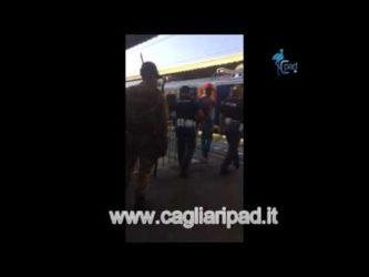 """Ventimiglia, poliziotto strattona e insulta migrante in Stazione: """"Tornatene in Burundi"""""""