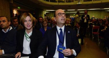 finanziamenti (nascosti) degli ospedali privati al partito del ministro della Salute Lorenzin e gli scoop ritardati del M5s