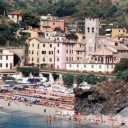 Vietato fare pipì in mare : multa di 3.300 euro