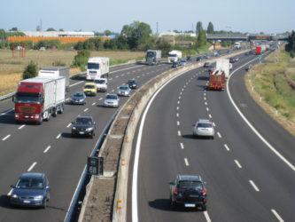 Autostrade: i pedaggi aumentano, e gli investimenti sono fermi –
