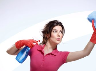«Donne a casa, uomini al lavoro» Così la pensa un italiano su due. Tu sei d'accordo ?