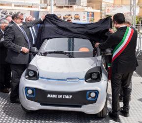 """l'auto elettrica italiana: schiaffo alle multinazionali- """"200 km con una ricarica, costo 10.000 euro"""" – VIDEO –"""