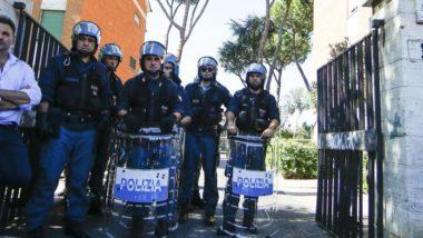 Roma : case popolari ad immigrati – scontro tra militanti di Forza Nuova e polizia