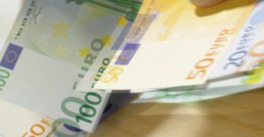 Boschi mira ai contanti : recuperare 200 miliardi di euro che gli italiani nascondono … anche sotto al materasso