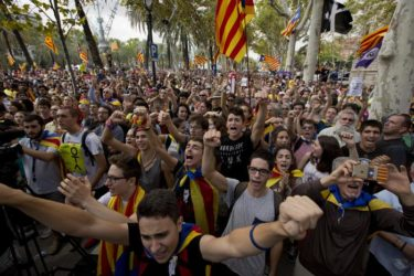 l'Ue appoggia Madrid e va contro l'indipendenza del popolo catalano : prove di finta democrazia