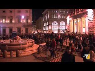 2013 – Grillo grida al colpo di stato e chiama in piazza il popolo – 2017 – Raggi «Marcia su Roma non deve ripetersi» …