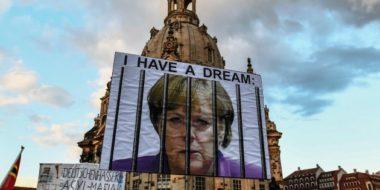 La destra estrema ritorna nel Bundestag. Merkel vince ma con il peggior risultato dal Dopoguerra