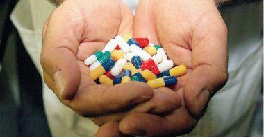 Le case farmaceutiche tagliano venditori. E non pagano la crisi