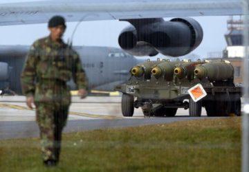 Bombardieri nucleari B52 pronti a partire –
