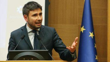 Dopo un lungo silenzio pre-referendum , l'M5S attacca il governo Rajoy: Spagna anti democratica