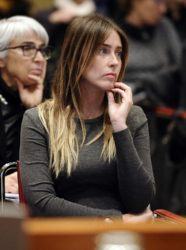 La Boschi nei guai ; i legali di UniCredit confermano pressioni per salvare Etruria