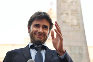 Di Battista ; assegno da 400mila euro dalla Mondadori