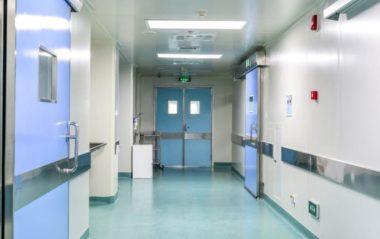 Importante; L'ospedale nega le dimissioni del bambino perché i genitori rifiutano le vaccinazioni