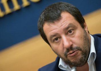 """Salvini: """"Inutili 10 vaccini obbligatori"""""""