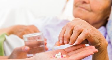 Allarme: anziani curati con farmaci non testati sugli over 65 – Salute & Benessere