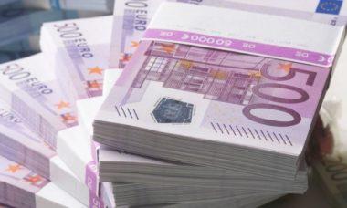 Conte promette 2000 euro per tutti i cittadini onesti, direttamente sul conto corrente