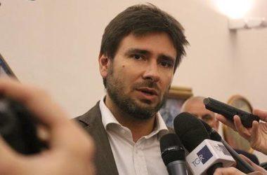 """Di Battista : """"Il referendum sul taglio dei parlamentari costa al contribuente 350 milioni di euro"""""""