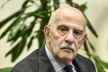 Coronavirus, dichiarazioni shock del Presidente Istat Blangiardo: nel 2019 a marzo 15mila morti per polmoniti varie