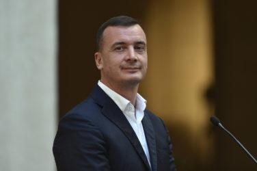 """Il caso Rocco Casalino: """"7mila euro? Li guadagno in una settimana"""", 30mila al mese"""