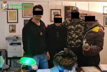 """Scandalo carabinieri: """"arresti e sequestro della caserma"""""""