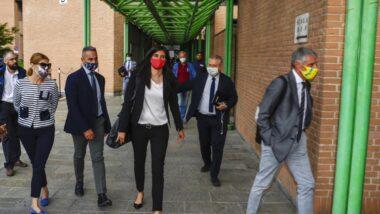 """Chiara Appendino condannata a 6 mesi per falso in atto pubblico. """"Continuerò come sindaca"""""""