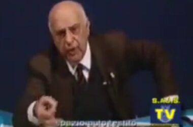 """Chi ha in pugno i soldi vince"", perchè compra…:"""