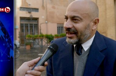 "Trovata la soluzione : ""MANDATELI AFFANCULO"" Gianluigi Paragone"