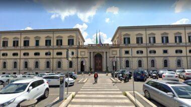 """Ultime news covid: la """"variante inglese"""" é arrivata a Roma: il paziente proveniva dalla Gran Bretagna"""