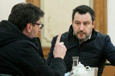 """Dietrofront di Salvini: """"Draghi scelga, o noi o M5s"""". Beppe Grillo in arrivo a Roma."""