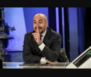 """Mario Draghi: """"Incappucciato della finanza, fanatico dell'euro. Qui per completare l'opera di Goldman Sachs"""""""