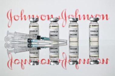 """Covid : """"il vaccino che protegge contro i vaccinati della Johnson&Johnson'"""""""