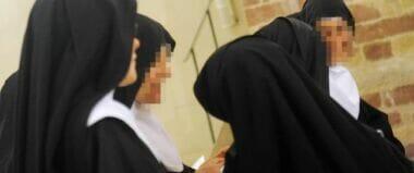 Orrore in convento, 40 suore sotto accusa: vendevano i bambini per le orge dei pedofili