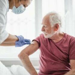Più vaccini ci sono e più é alta la probabilità di mutazione del Covid : finora sono 237