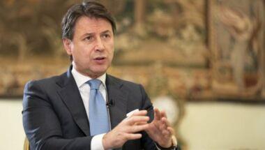 """I 5Stelle diventano """"europeisti e moderati"""" : la svolta del nuovo leader Conte"""