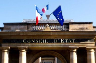 """Francia, Consiglio di Stato: """"vietato viaggiare ai vaccinati perché portatori del virus"""""""