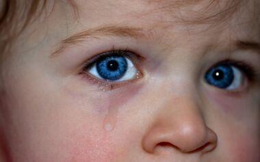 """Video: Bambini """"esclusi"""" da scuola per un tampone, cosa ne pensi?"""