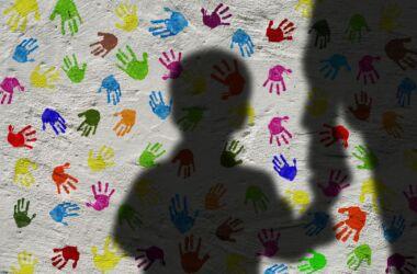 Coercizione sui bambini : la soluzione che sta distruggendo un intera generazione